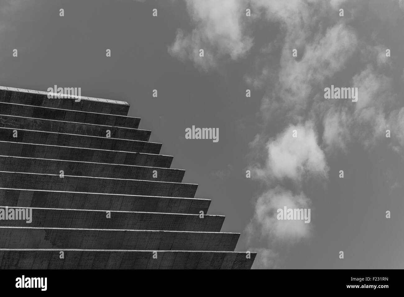 Point de vue du ciel et béton Photo Stock