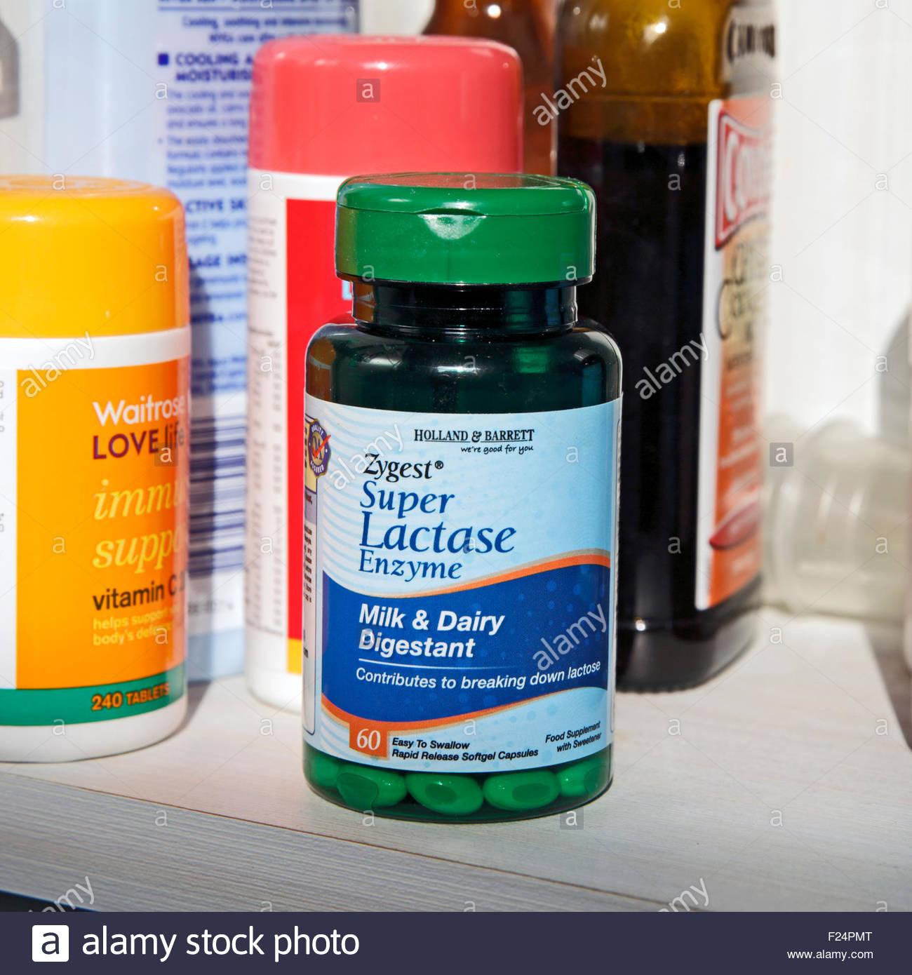 L'enzyme lactase Capsules digestives Banque D'Images