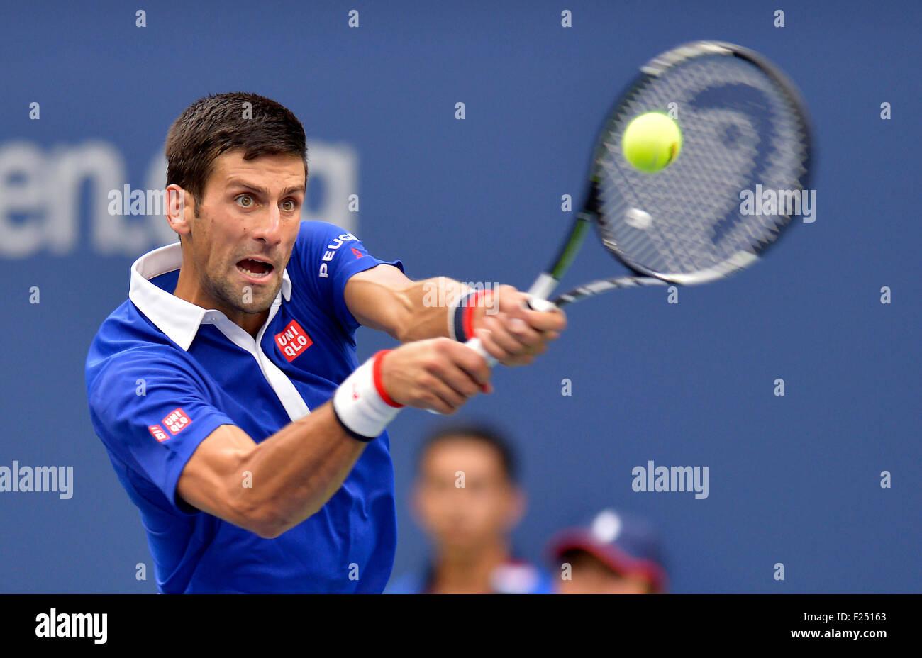New York, USA. Sep 11, 2015. Novak Djokovic la Serbie de renvoie un shot à Marin Cilic de Croatie lors de leur Photo Stock