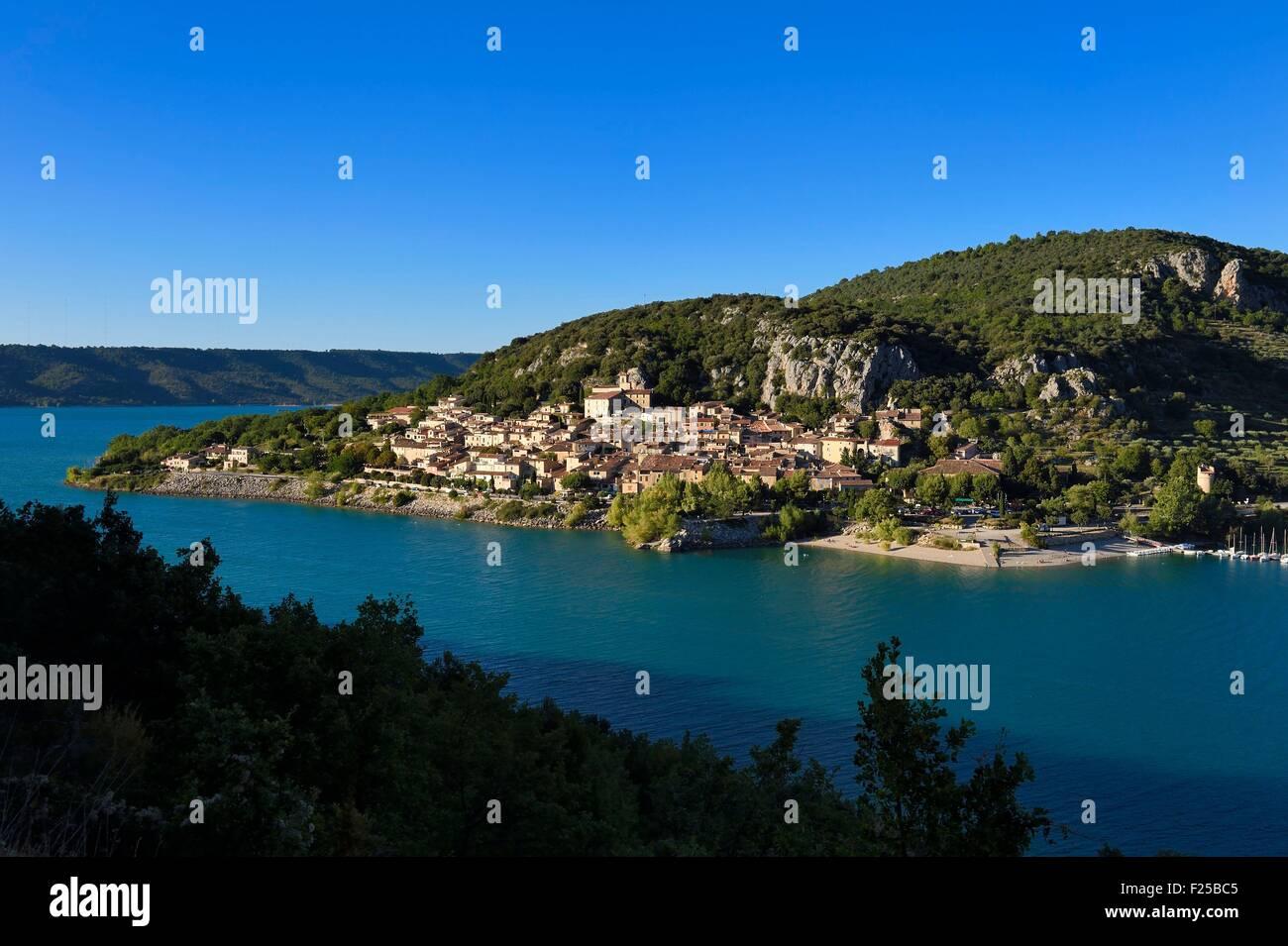 La France, Var, Parc Naturel Régional du Verdon, le village de Bauduen sur le Lac St Croix Banque D'Images