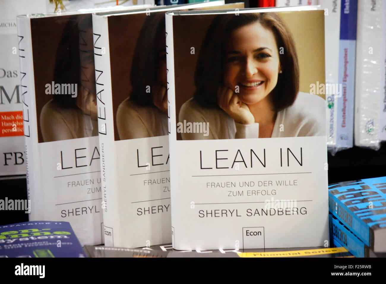 Buch der Facebook Sheryl Sandberg Managerin dans 'Lean', Berlin. Photo Stock