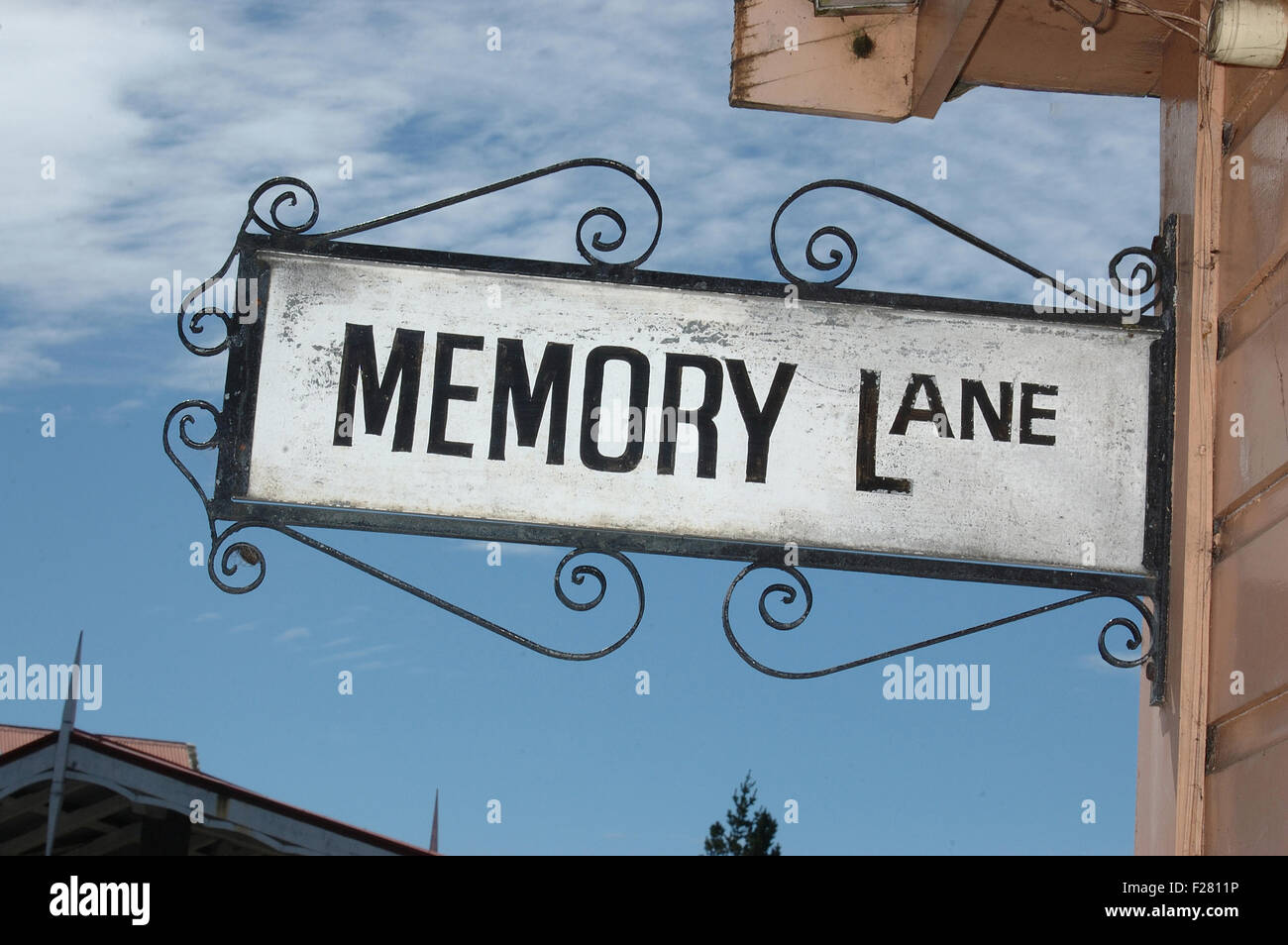 Ornate street sign pour Memory Lane, bidonville, Westland, Nouvelle-Zélande Photo Stock