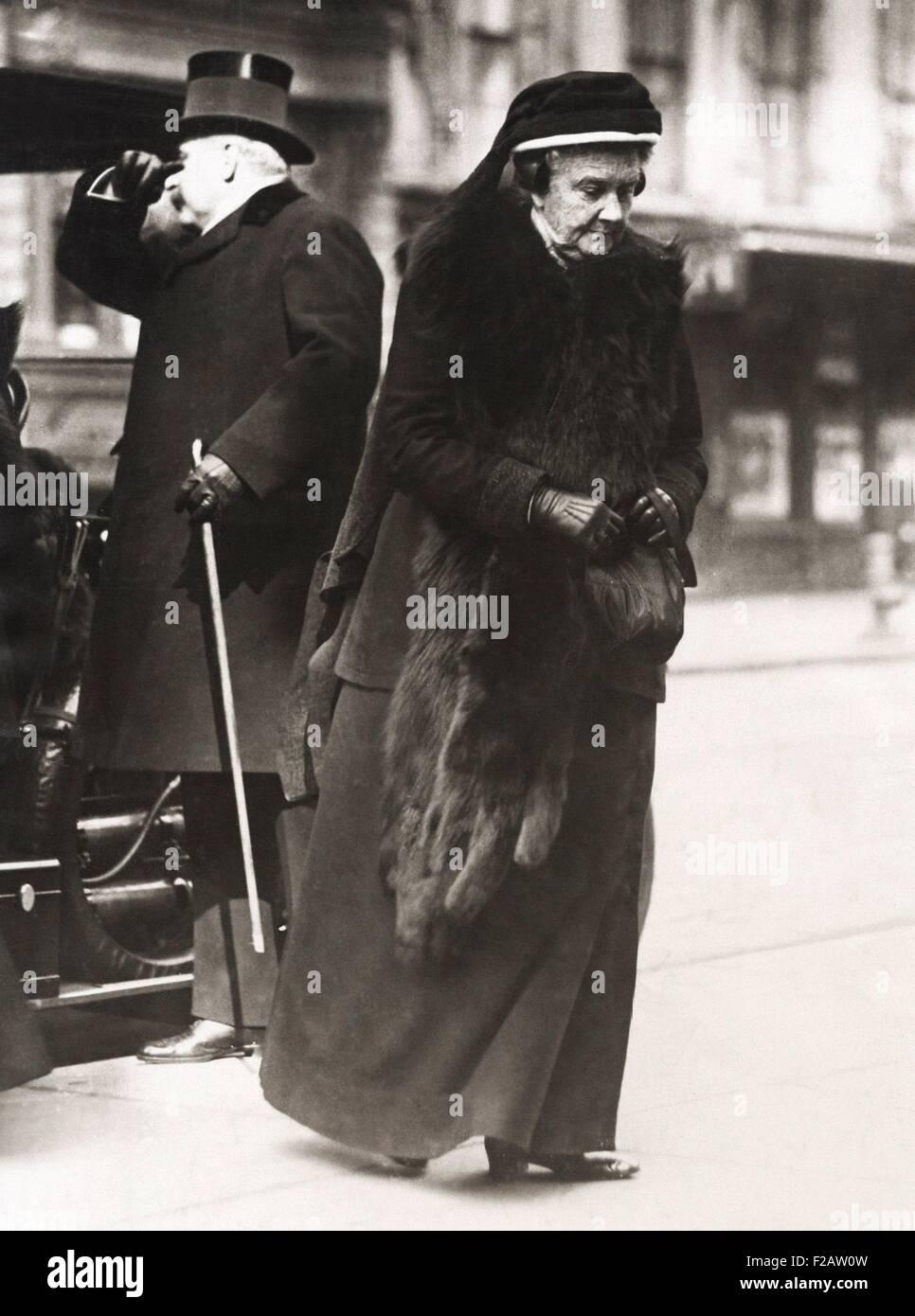 Frances Louisa Tracy Morgan, veuve de J.P. Morgan Sr. assistent aux funérailles de John L. Cadwalder. À Photo Stock