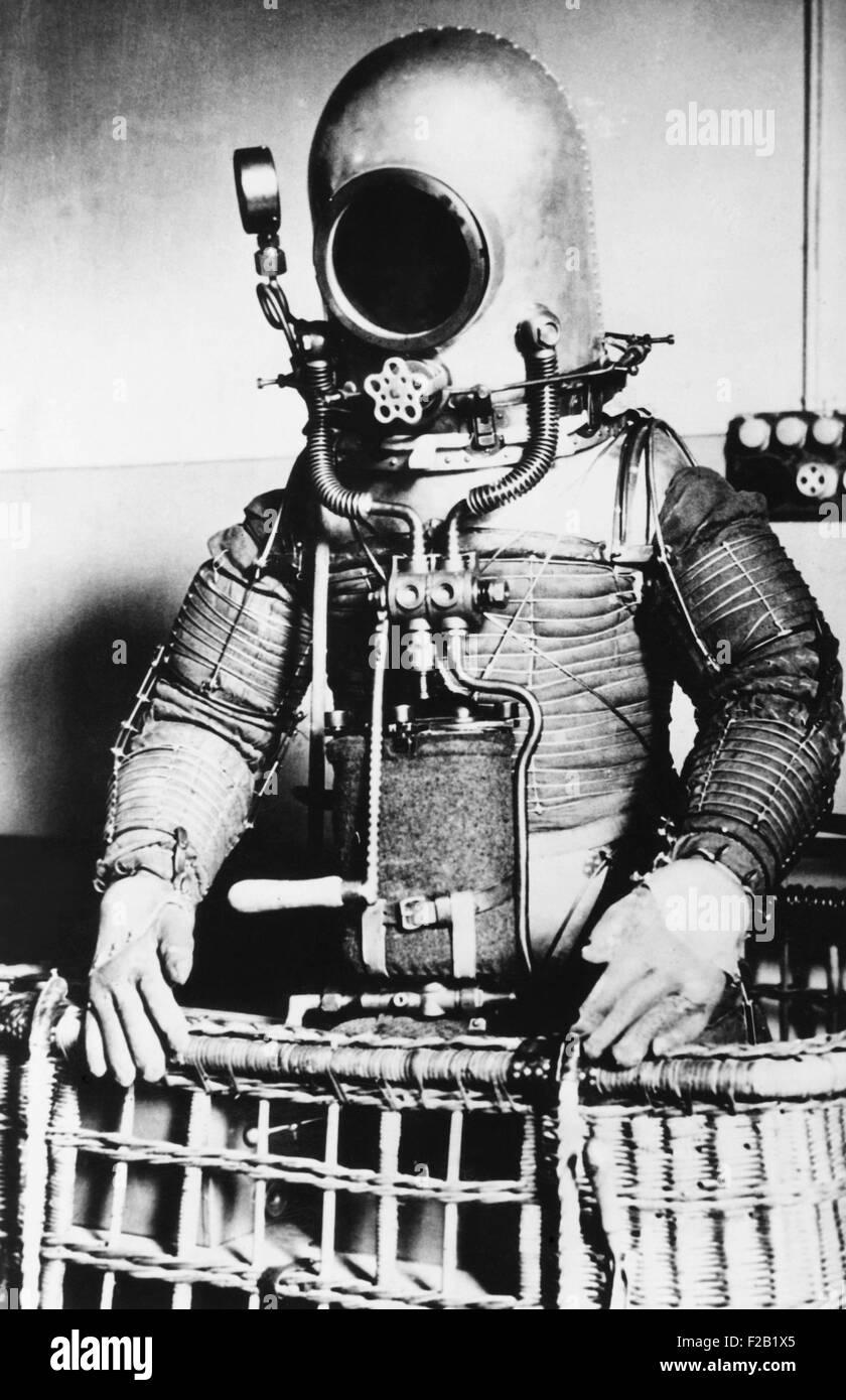 Stratosphère apparaissant fantastique costume pour le lieutenant-colonel espagnol Emilio Herrera. Herrera testé Photo Stock