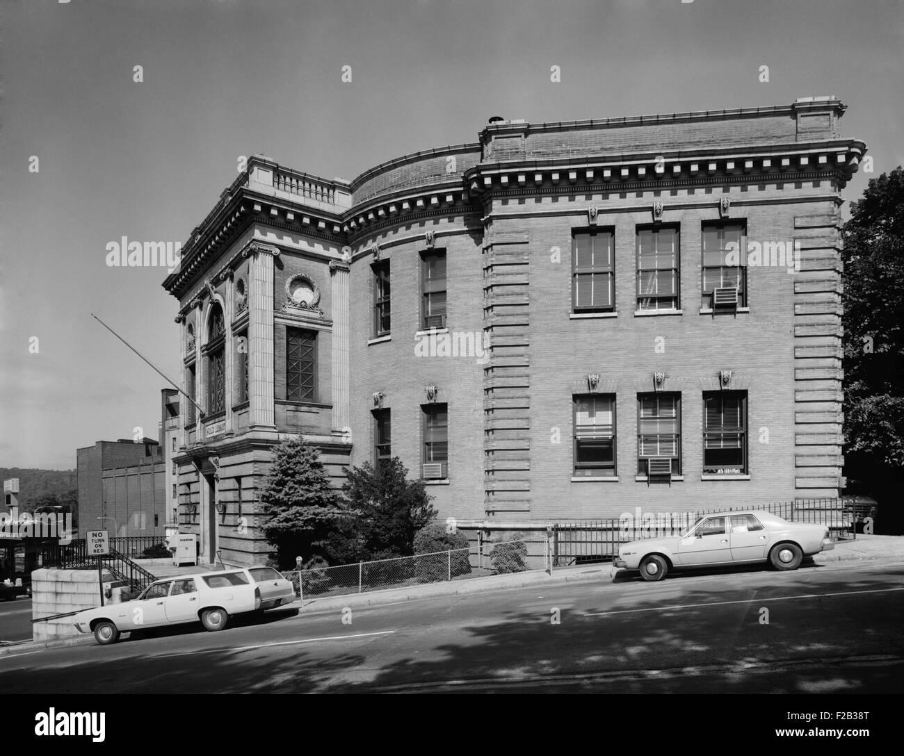 Yonkers Public Library, ca. 1980. L'altitude du sud. Nepperhan Avenue et Broadway, comté de Westchester, Photo Stock
