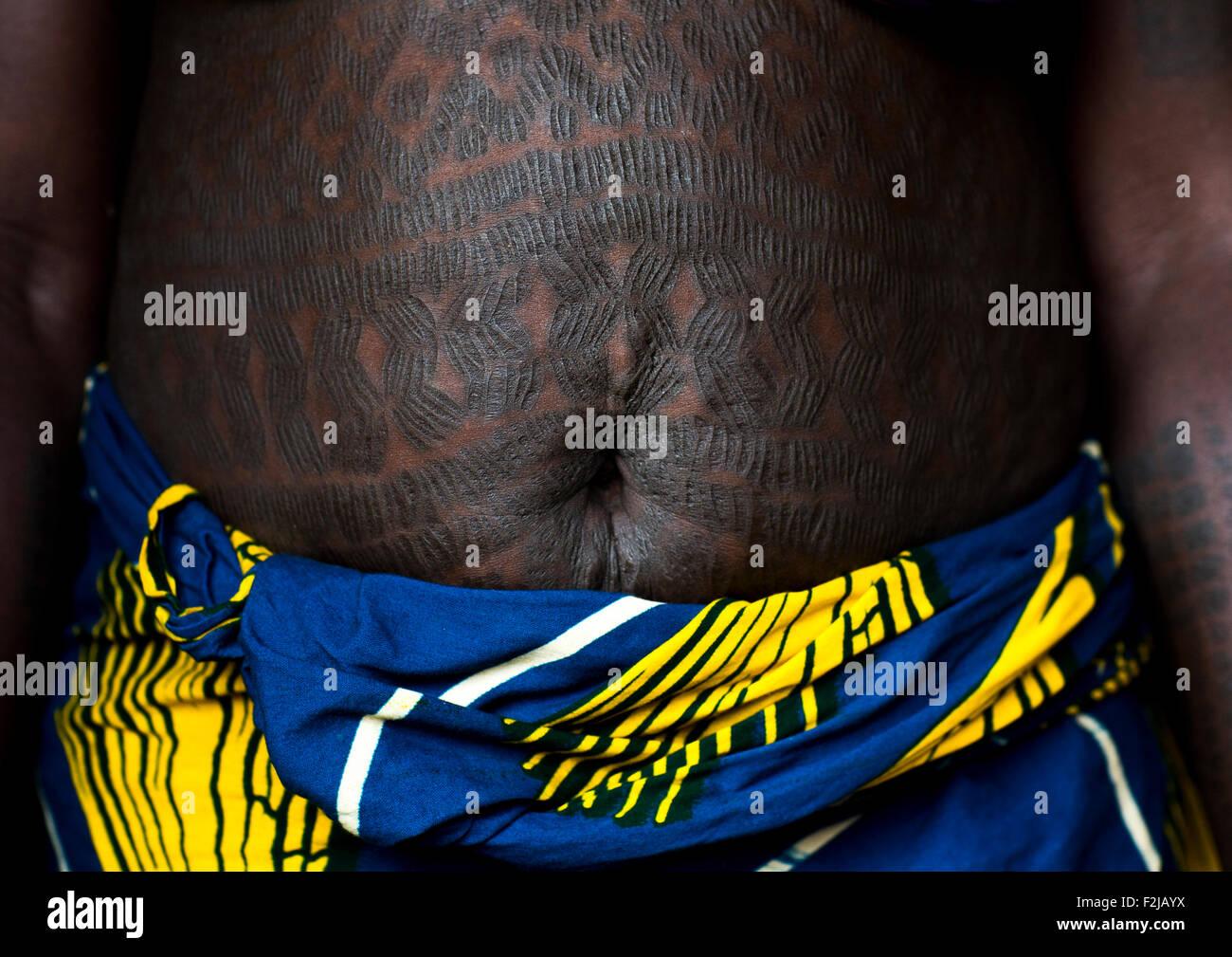 Le Benin En Afrique De L Ouest Isaba Tribu Onigbolo Holi Femme
