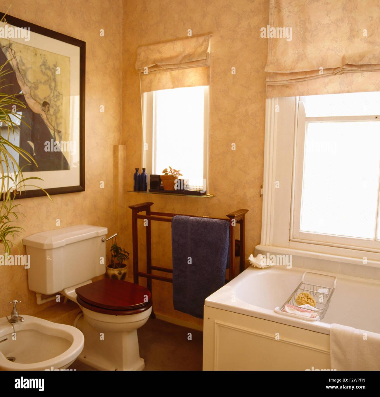 Peinture À L Éponge Sur Mur effet peinture à l'éponge sur les murs de salle de bains 90