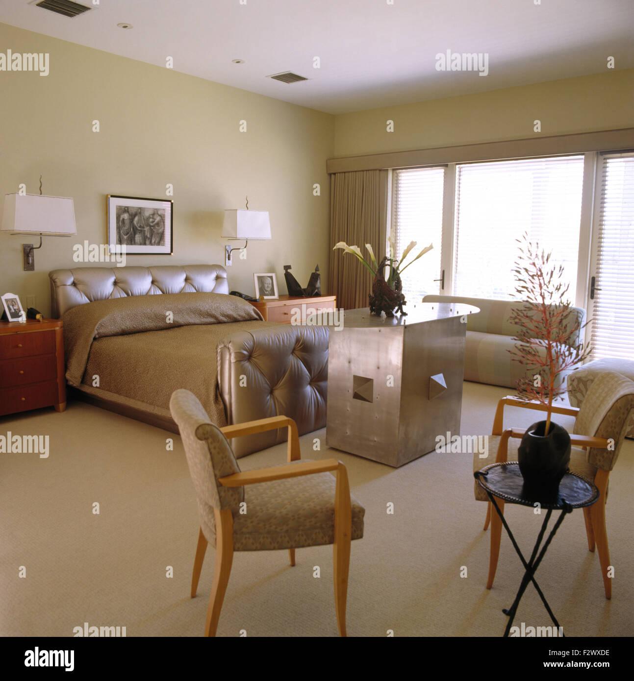 Tele Au Pied Du Lit tv cabinet photos & tv cabinet images - alamy