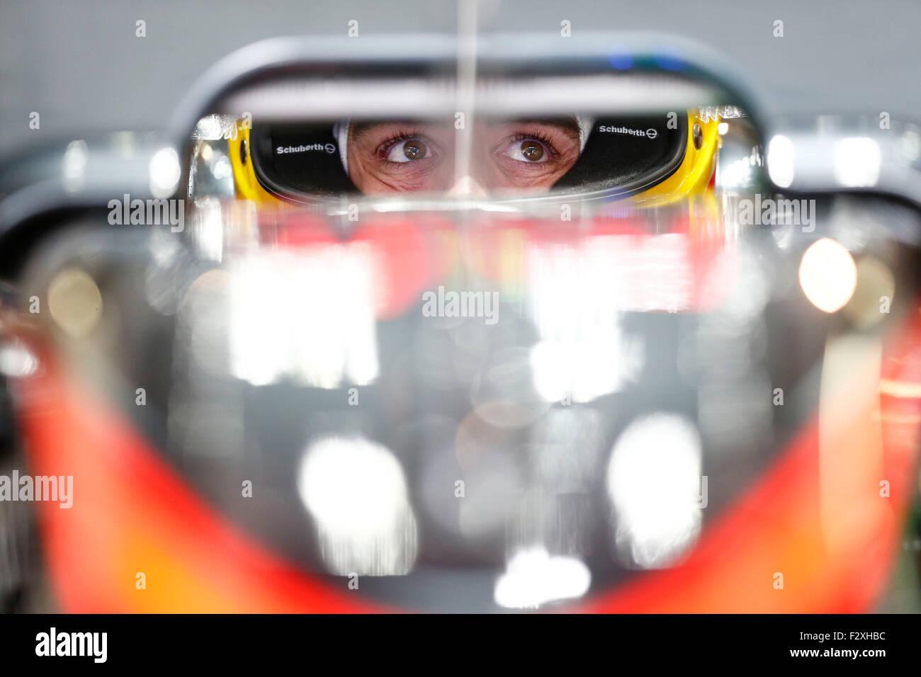 Sport Automobile: Championnat du Monde de Formule 1 de la FIA 2015, Grand Prix du Japon, #14 Fernando Photo Stock