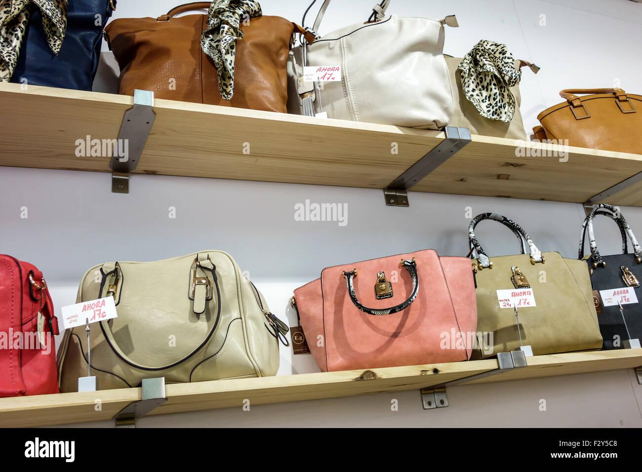Europe Espagne Madrid Espagnol Centro Calle de San Marcos shopping vente  afficher par exemple fashion sacs 48daed54d4c