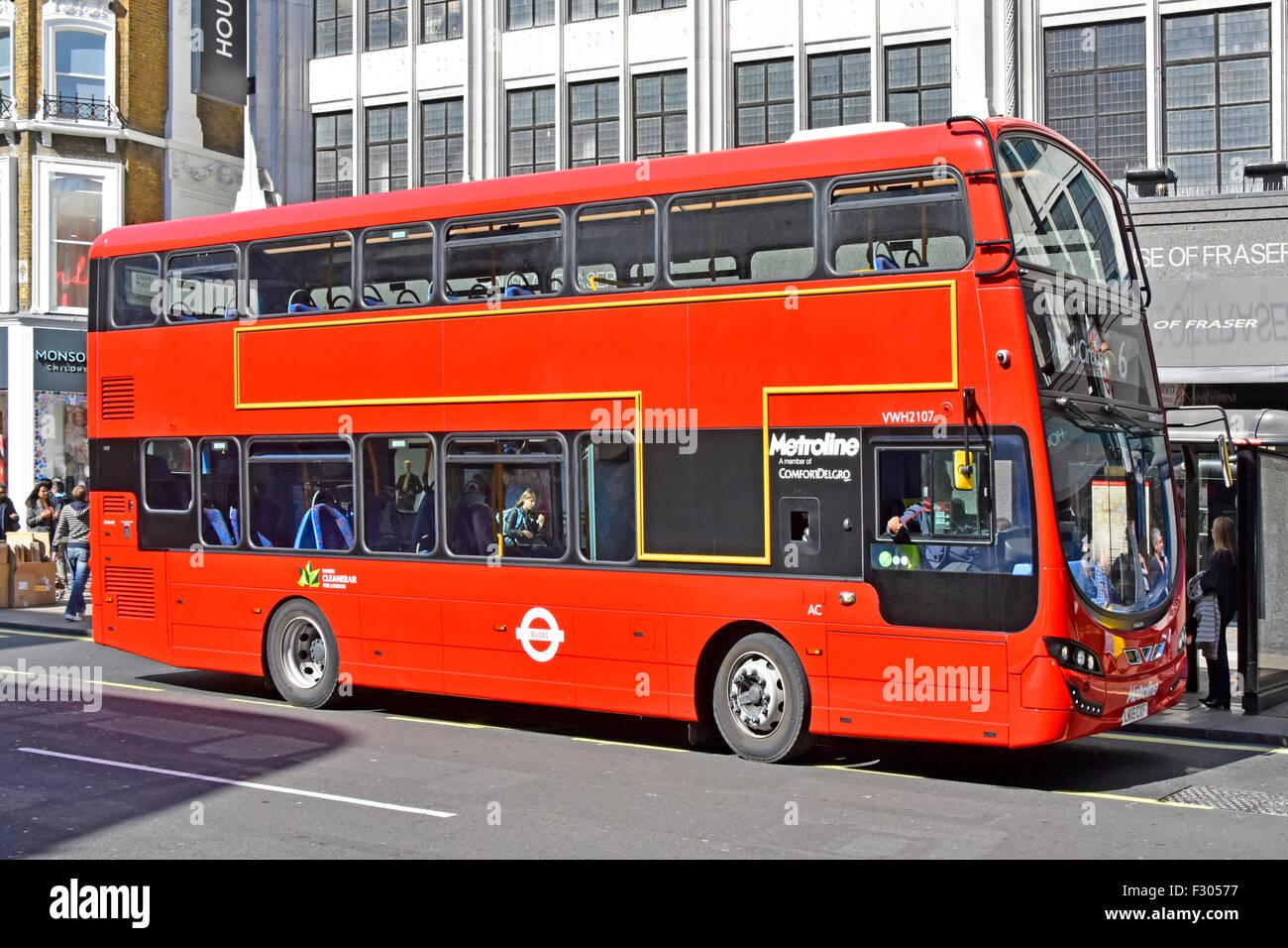 Bus à impériale de Londres rouge transports publics bus hybride Un Air exploité par Metroline aucune Photo Stock