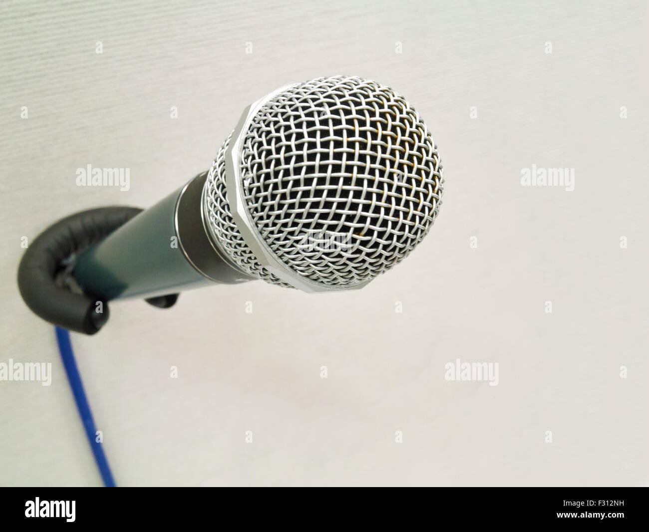 Le microphone sur le mur Photo Stock
