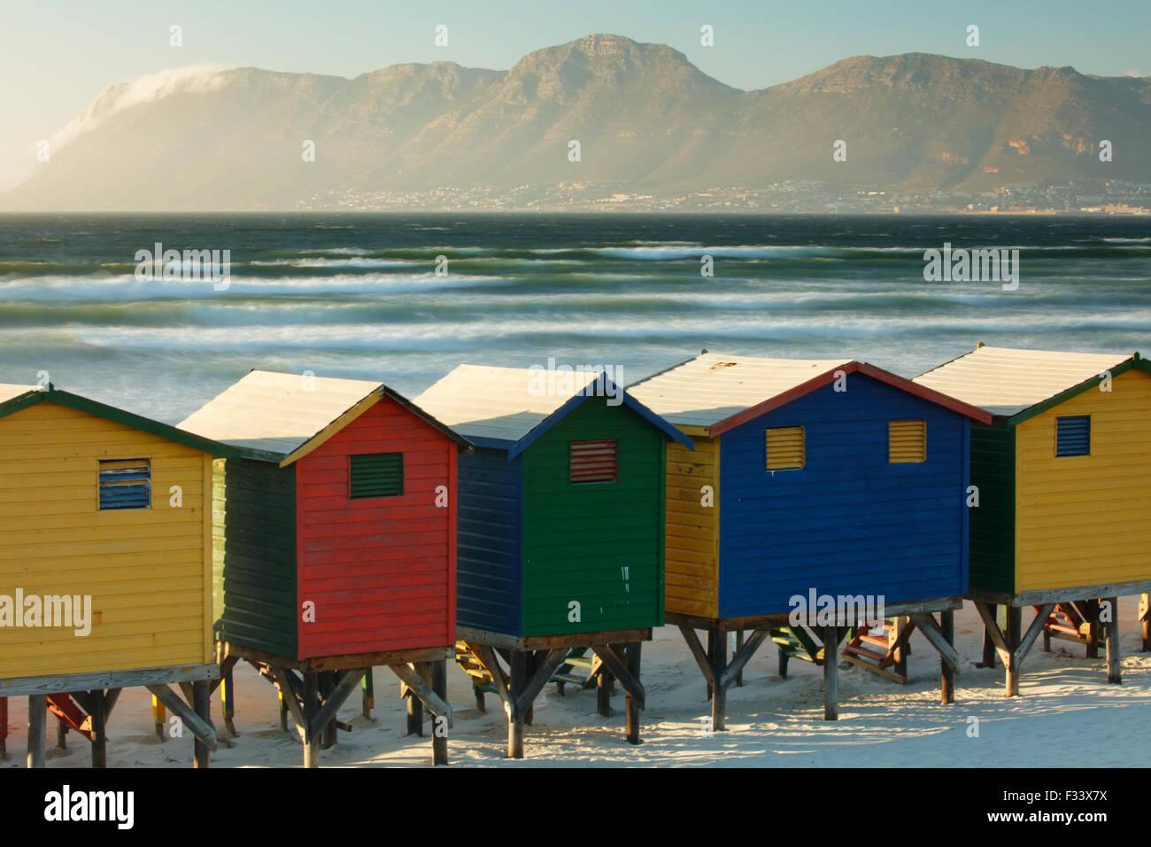 Cabines de plage à Muizenberg, Western Cape, Afrique du Sud Photo Stock