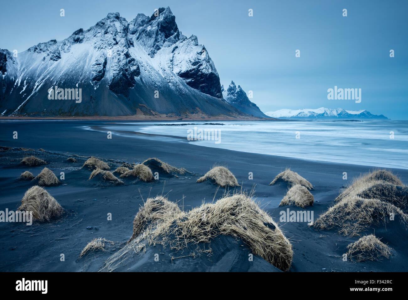Dunes de sable sur la péninsule de l'Est de l'Islande, Stokksness Photo Stock