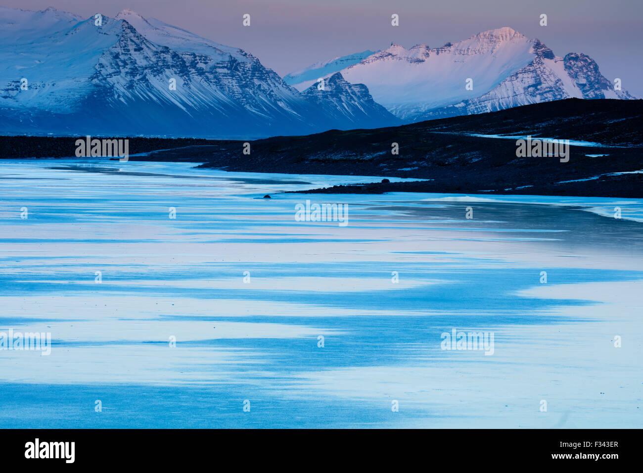 Crépuscule à l'Est de l'Islande, Raudaberg Photo Stock