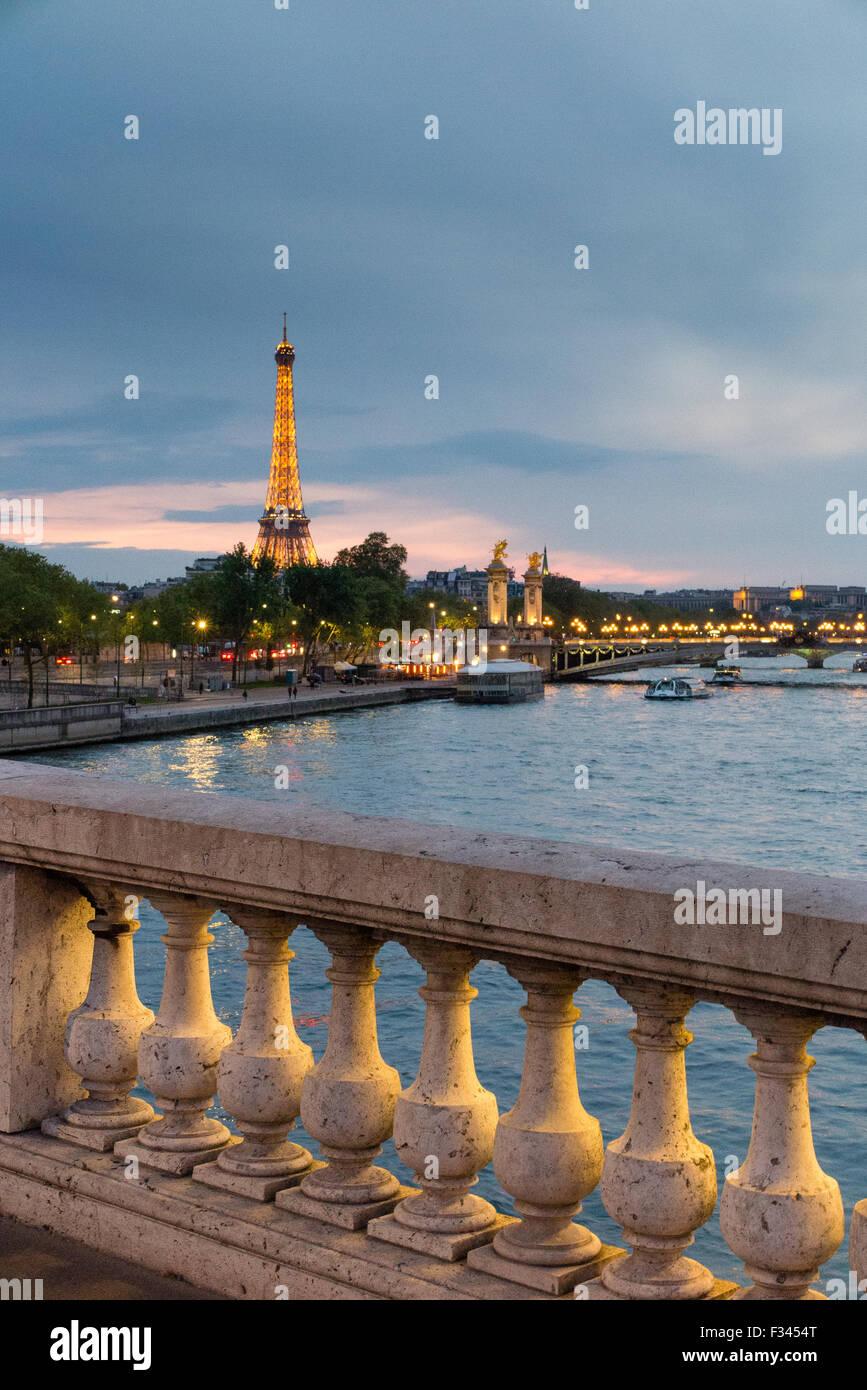 La Tour Eiffel et de la Seine, Paris, France Photo Stock