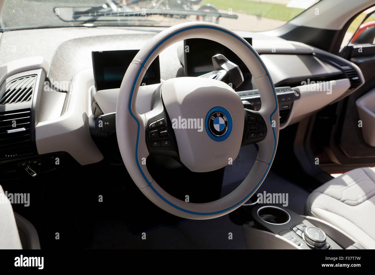 2021 - [BMW] i4 - Page 7 La-bmw-i3-voiture-electrique-interieur-usa-f37t7w
