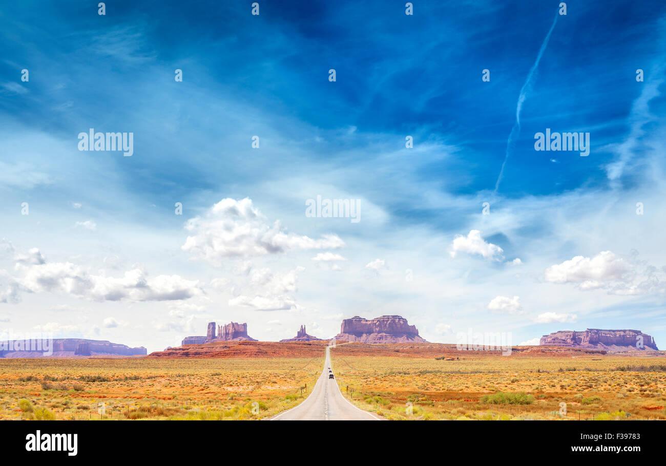 Route de campagne à la Monument Valley, USA. Photo Stock