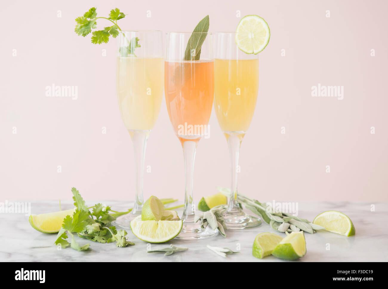 Studio shot de rafraîchissants cocktails Photo Stock