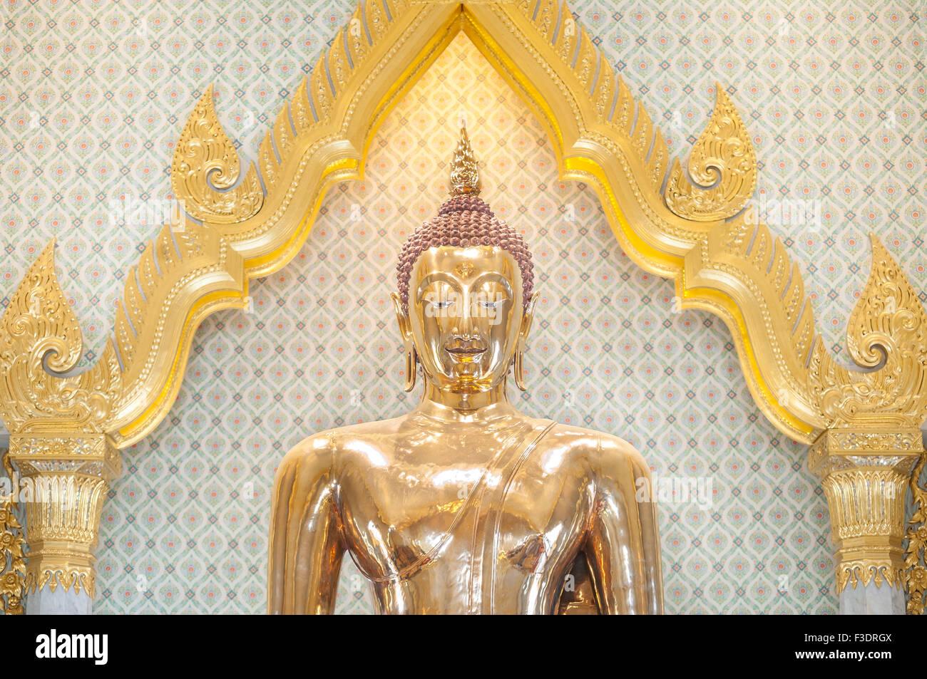 La plus grande statue de Bouddha en or massif dans le monde entier, Wat Traimit, Bangkok, Thaïlande Photo Stock