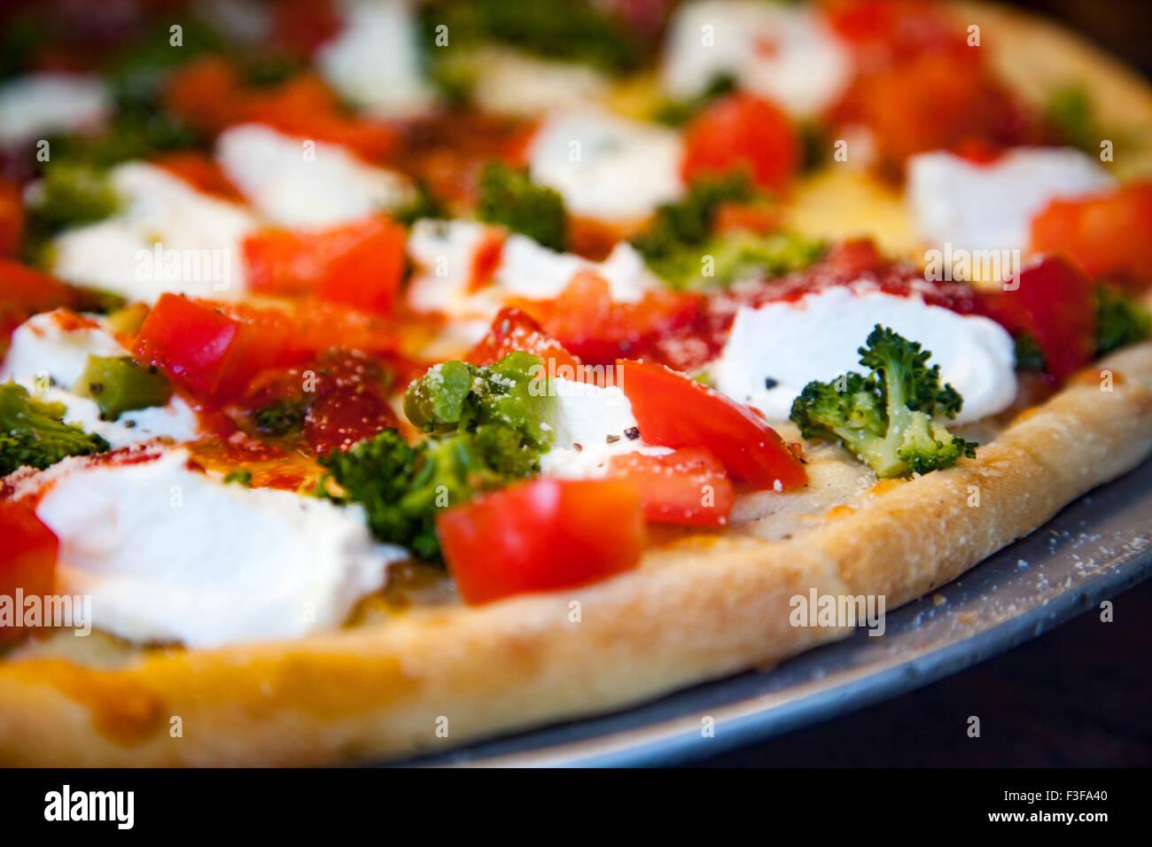 Fait frais et délicieux pizza italienne Photo Stock