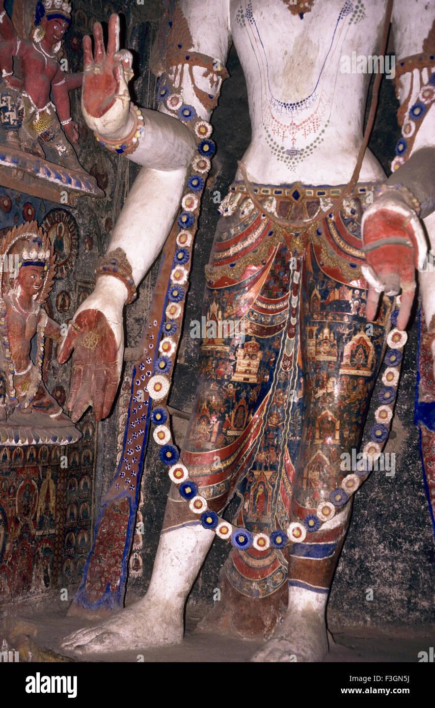 Statue sans tête de Bouddha au 11ème siècle dans la vieille gompa à Alchi; Leh Ladakh; Photo Stock