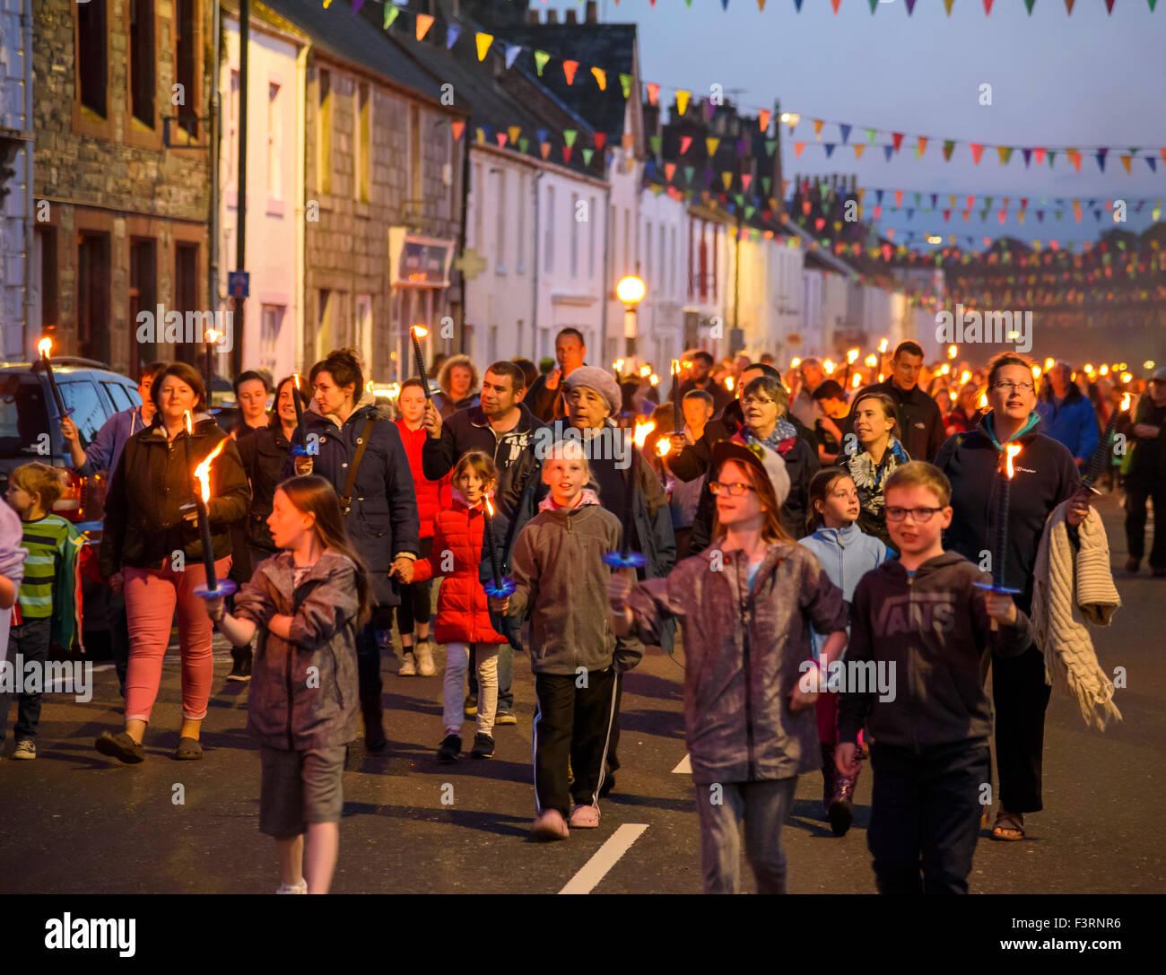 Gatehouse of Fleet 2015 Gala défilé aux flambeaux et feu d'artifice Photo Stock