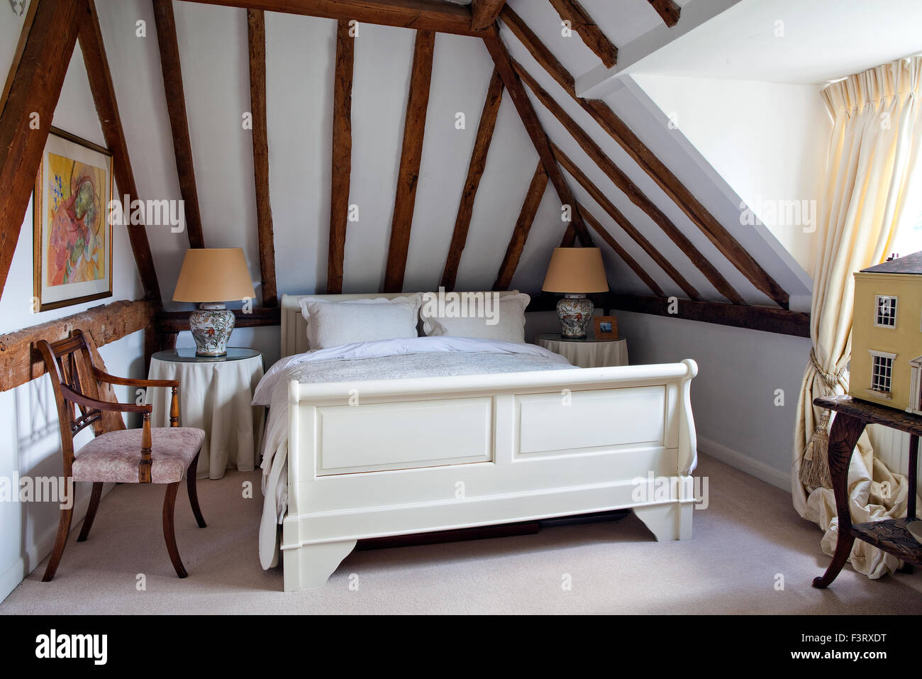 Chambre avec poutres apparentes Banque D\'Images, Photo Stock ...