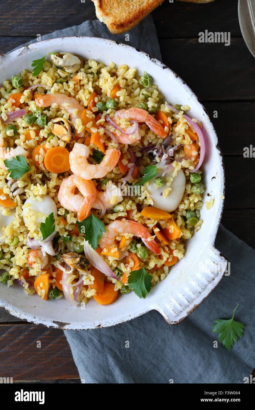 Boulgour aux fruits de mer, au-dessus Photo Stock