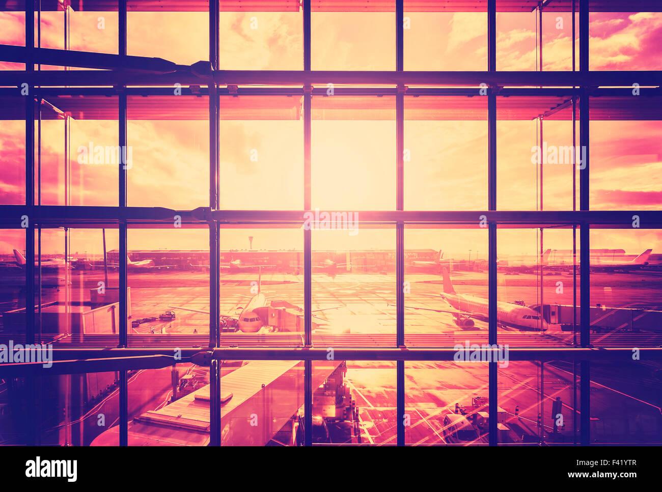 Vintage photo filtrée d'un aéroport, les transports et les voyages d'affaires concept. Photo Stock
