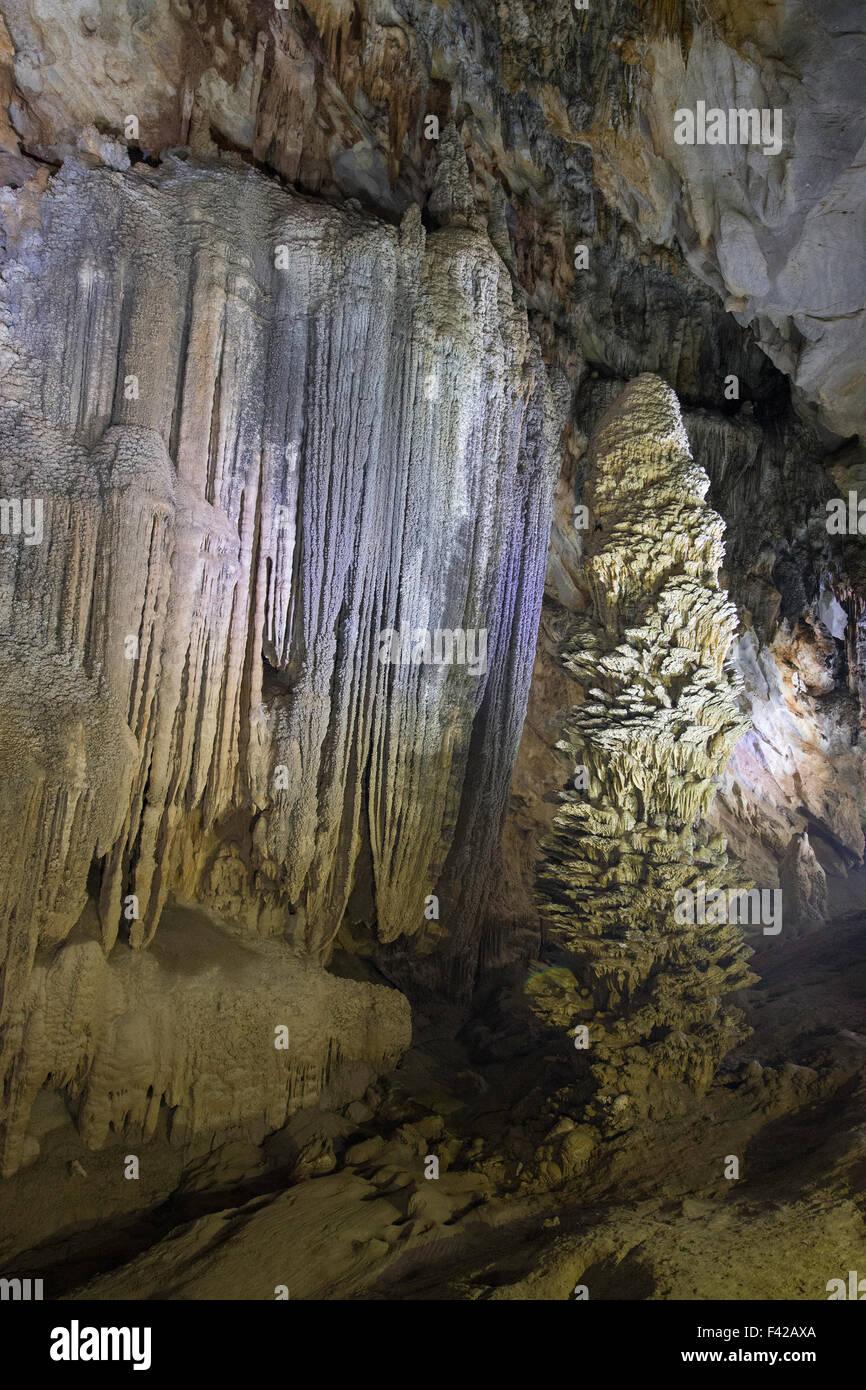 Paradise Cave, Phong Nha-Kẻ Bàng est un parc national et site du patrimoine mondial de l'UNESCO, Quảng Photo Stock