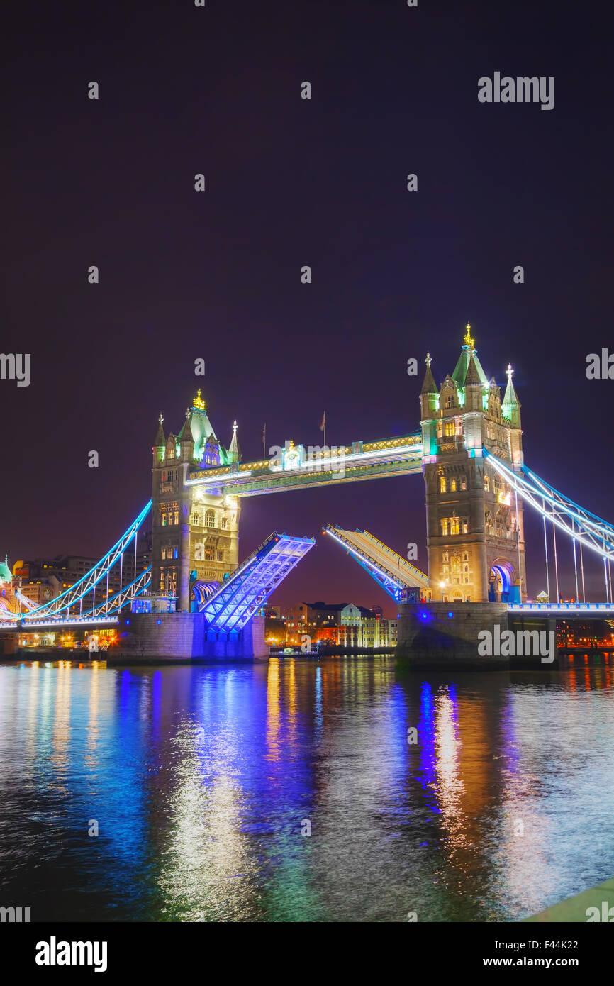 Tower Bridge à Londres, Grande-Bretagne Photo Stock