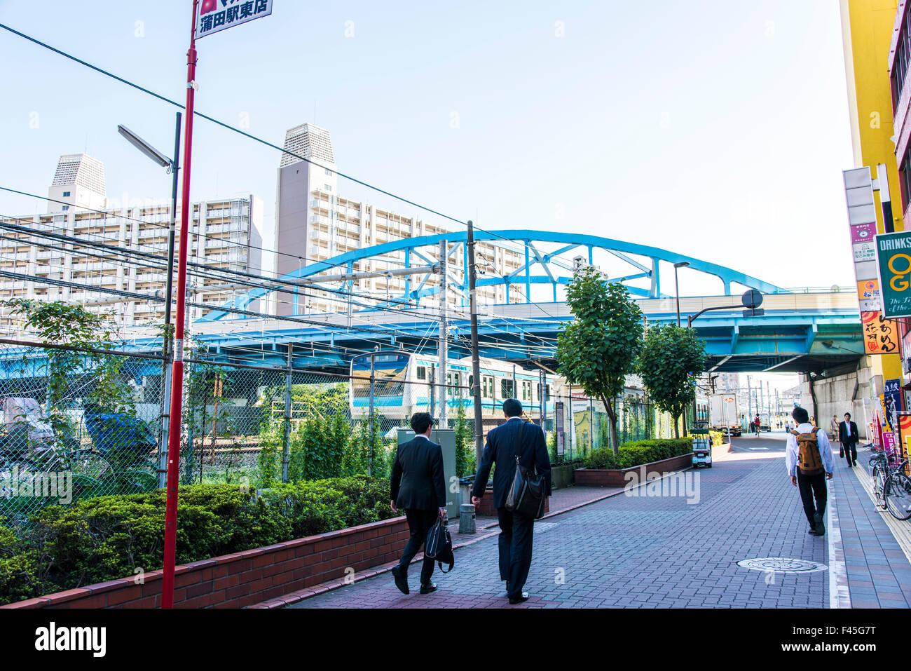 La ligne JR Keihin Tohoku près de la gare de Kamata Tokyo,Japon,Tokyo, Photo Stock