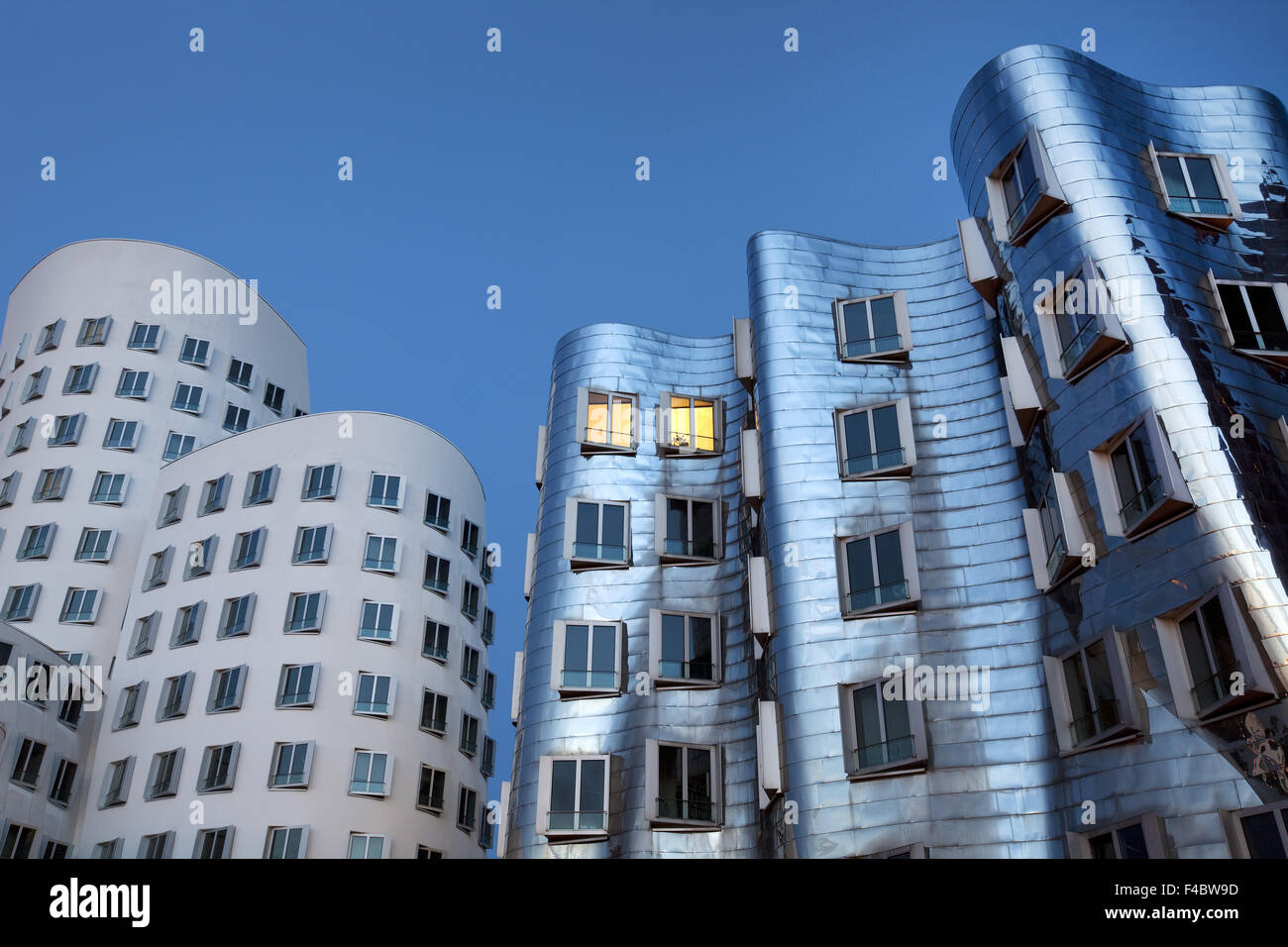 Bâtiments Gehry, nouveau Zollhof, Duesseldorf Photo Stock