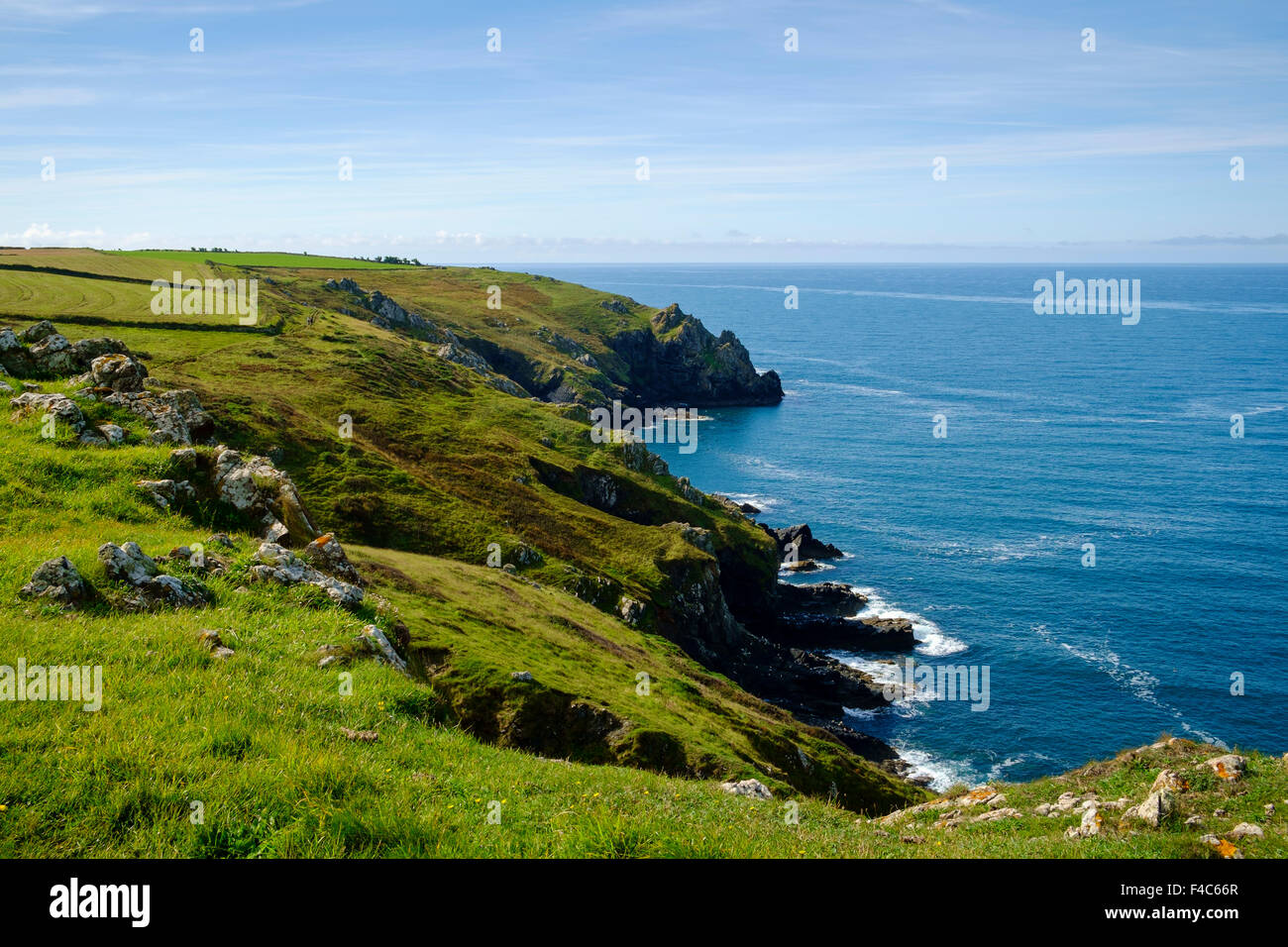 Scène de la côte de Cornwall à la péninsule du Lézard sur le South West Coast Path, England, Photo Stock