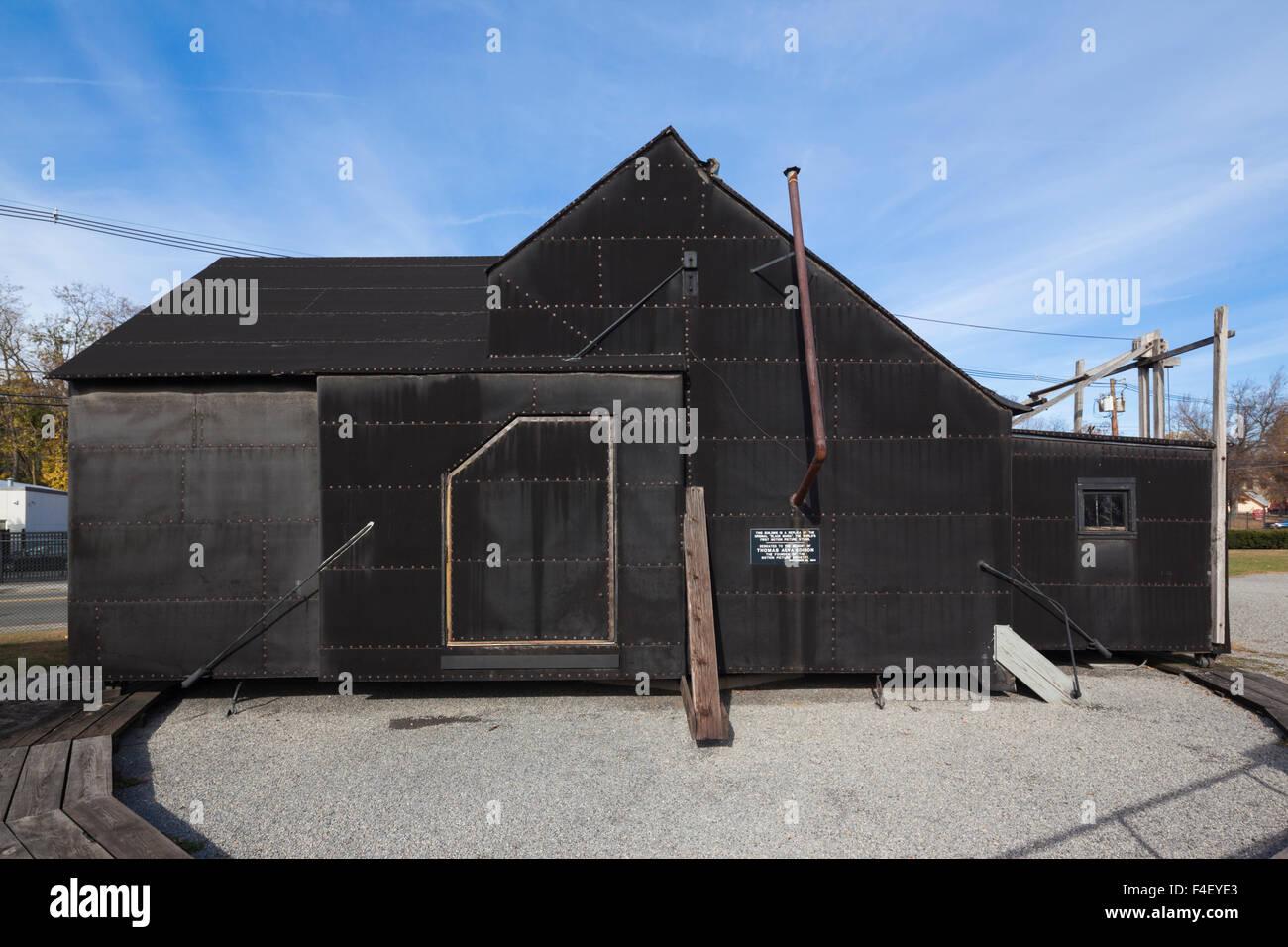 USA, New Jersey, West Orange, Thomas Edison National Historical Park, Black Maria, premier studio de cinéma mobile construite sur une platine, extérieur Banque D'Images