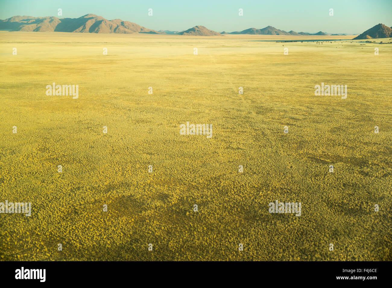 La voie abandonnée dans le désert du Namib, Namibie, Afrique Banque D'Images