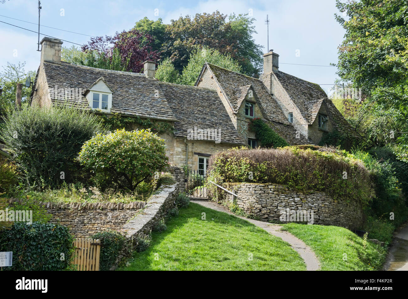 bibury village photos bibury village images alamy. Black Bedroom Furniture Sets. Home Design Ideas