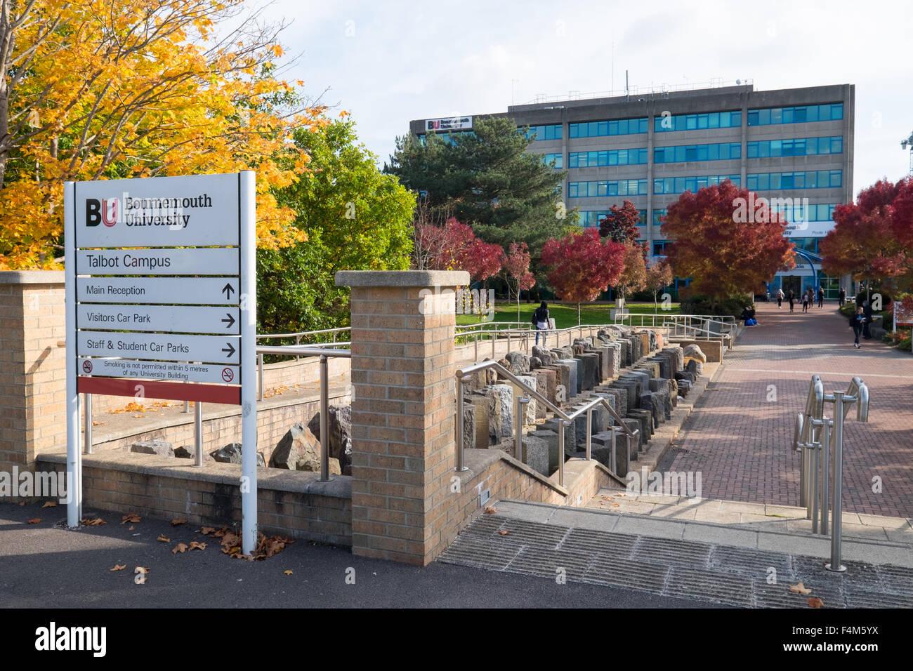 L'extérieur de l'Université de Bournemouth, Dorset, UK Photo Stock