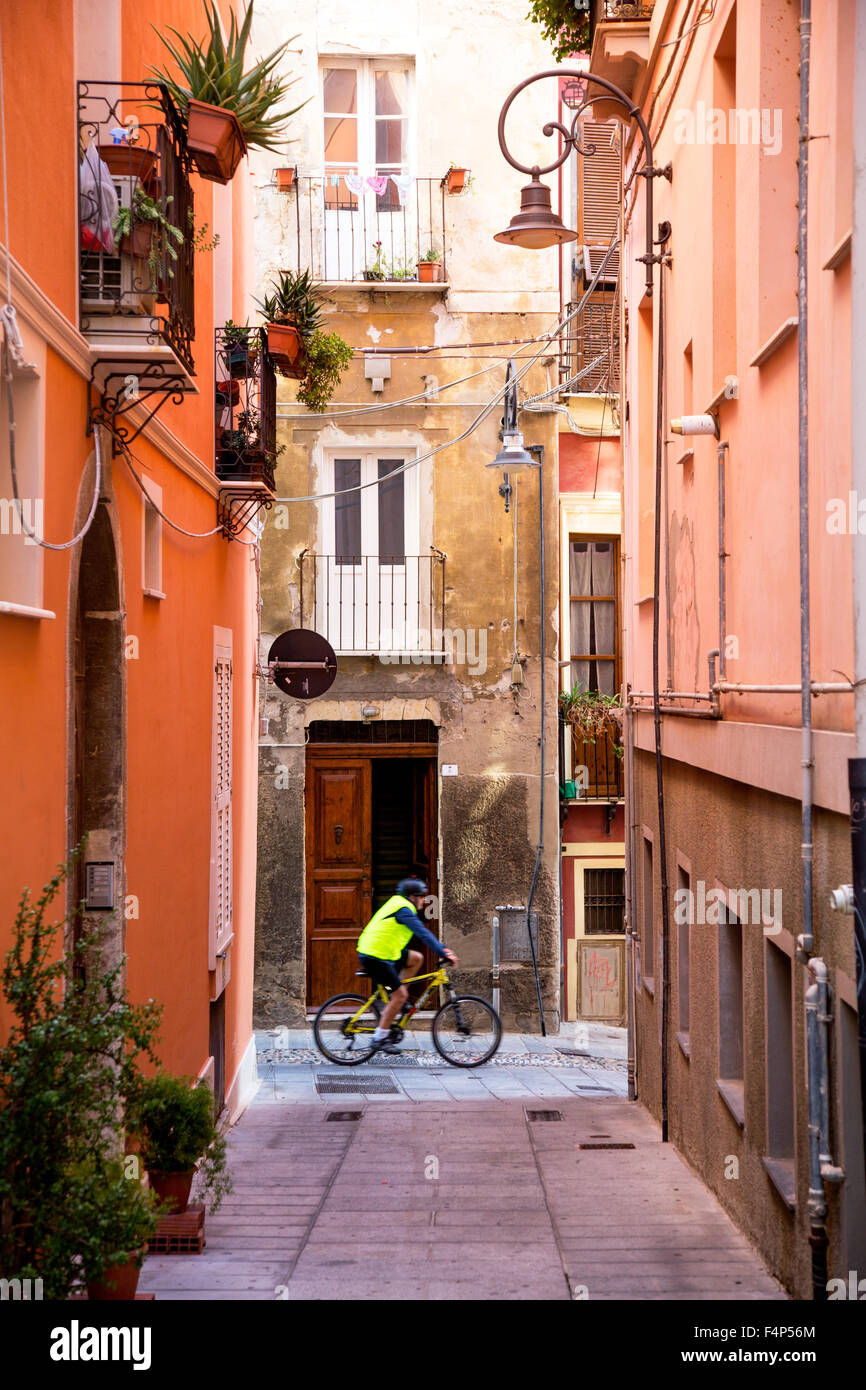 Ruelles traditionnelles de la Citadelle de Cagliari Sardaigne Italie Banque D'Images