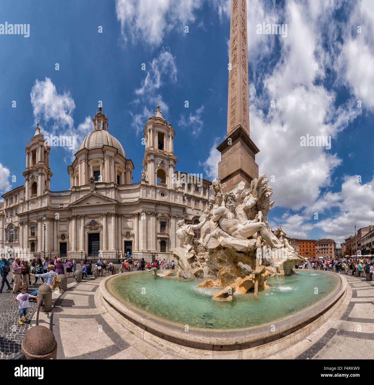 L'Italie, l'Europe, Lazio, Rome, Roma, ville, village, l'eau, le printemps, les gens, fontaine, Piazza Navona, Sant'Agnese Banque D'Images