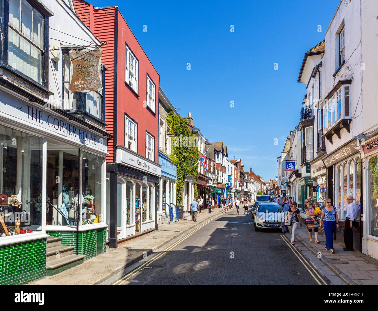 Boutiques sur la rue principale de la vieille ville, Rye, East Sussex, England, UK Photo Stock