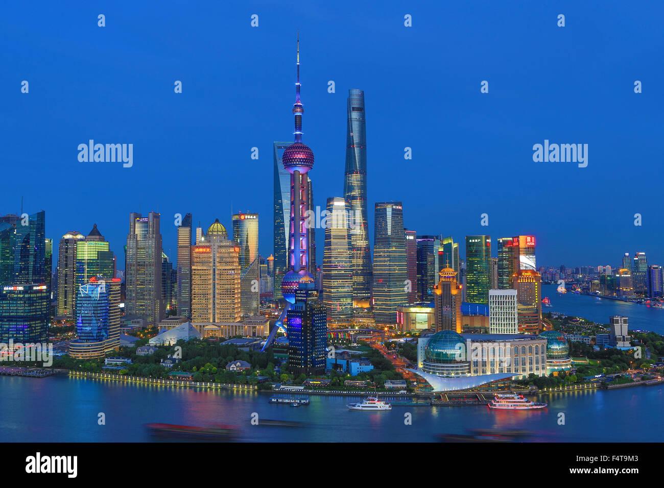 La Chine, la ville de Shanghai, Pudong Skyline, Oriental Pearl, le World Financial Center et Shanghai Towers, La Photo Stock