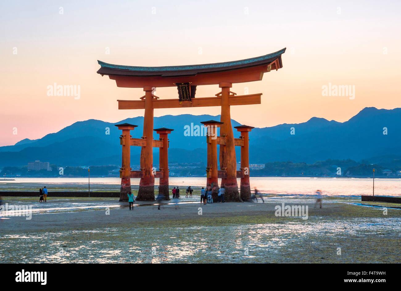 Le Japon, Hiroshima, l'île de Myajima Province, Utsukushima de culte, la porte Photo Stock