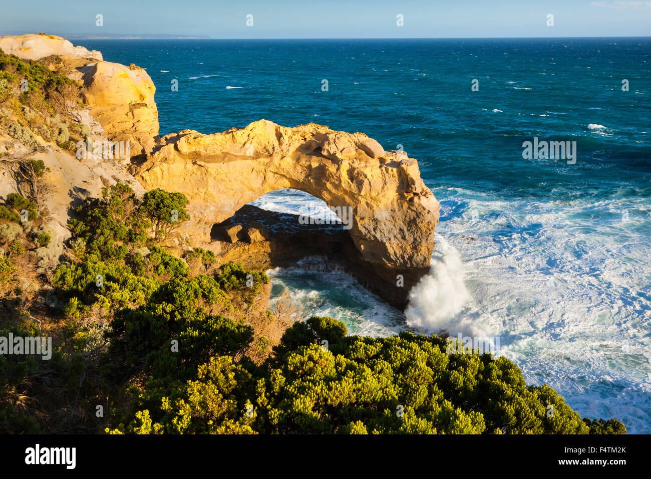 Arch, l'Australie, Victoria, port Campbell, parc national, mer, côte, courbe de falaise Photo Stock