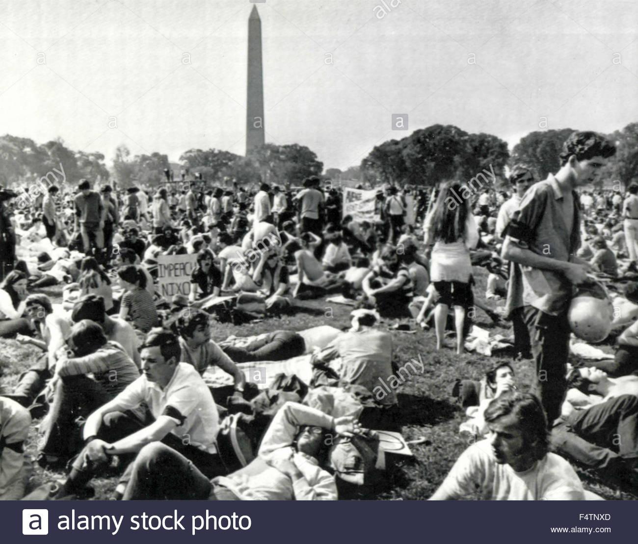 Jeune avoir manifesté à l'Ellipse, parc, entre la Maison Blanche et Washington Monument, USA Photo Stock