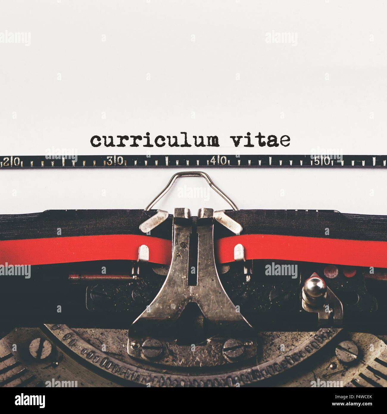 Type de curriculum vitae sur machine à écrire ancienne, vintage retro style hipster tonique pour demande Photo Stock