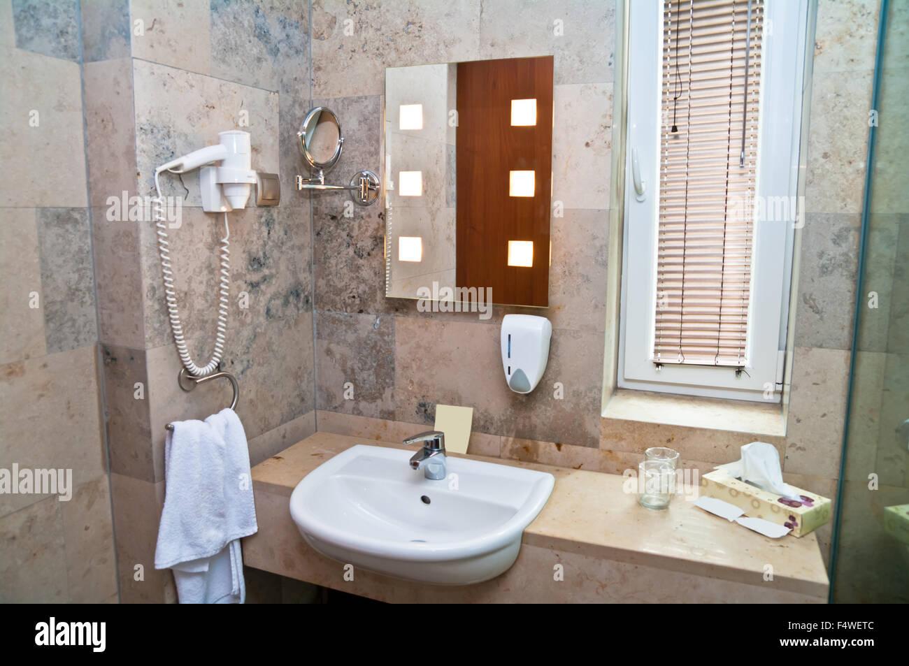 Salle De Bain Lumineuse Design ~ salle de bain baignoire baignoire architecture propre et confortable