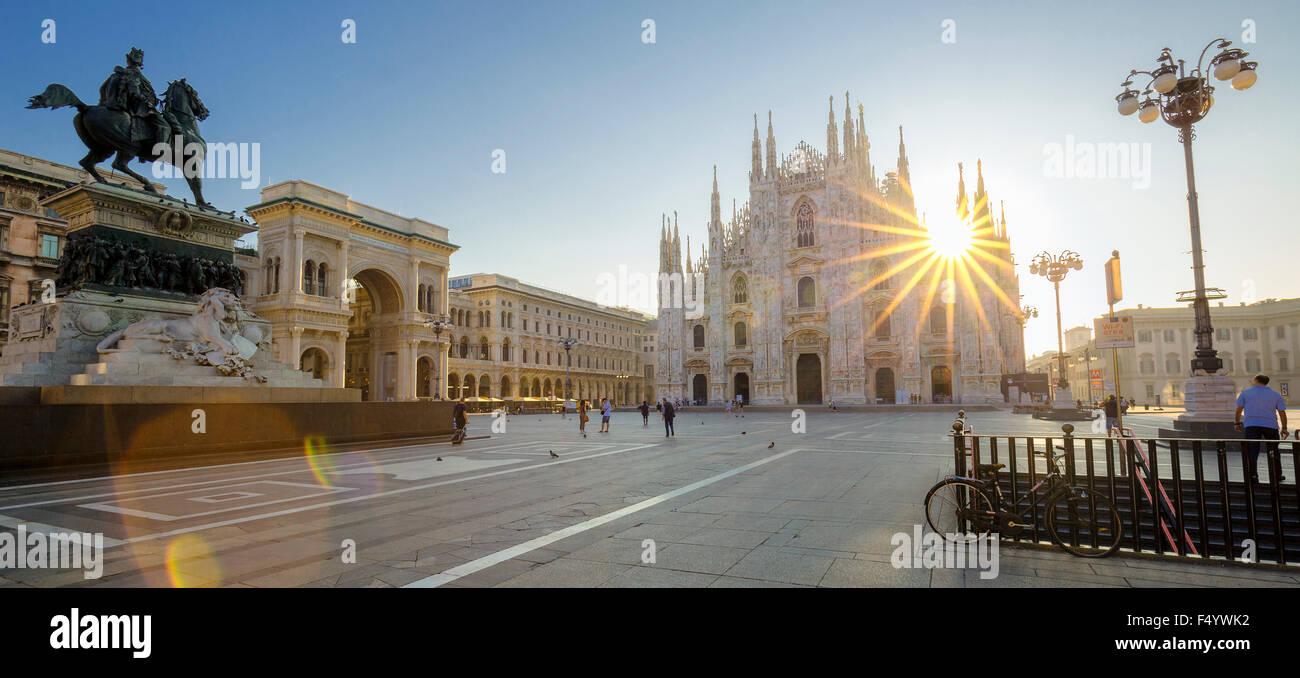 Vue du Duomo de Milan, au lever du soleil, l'Europe. Photo Stock