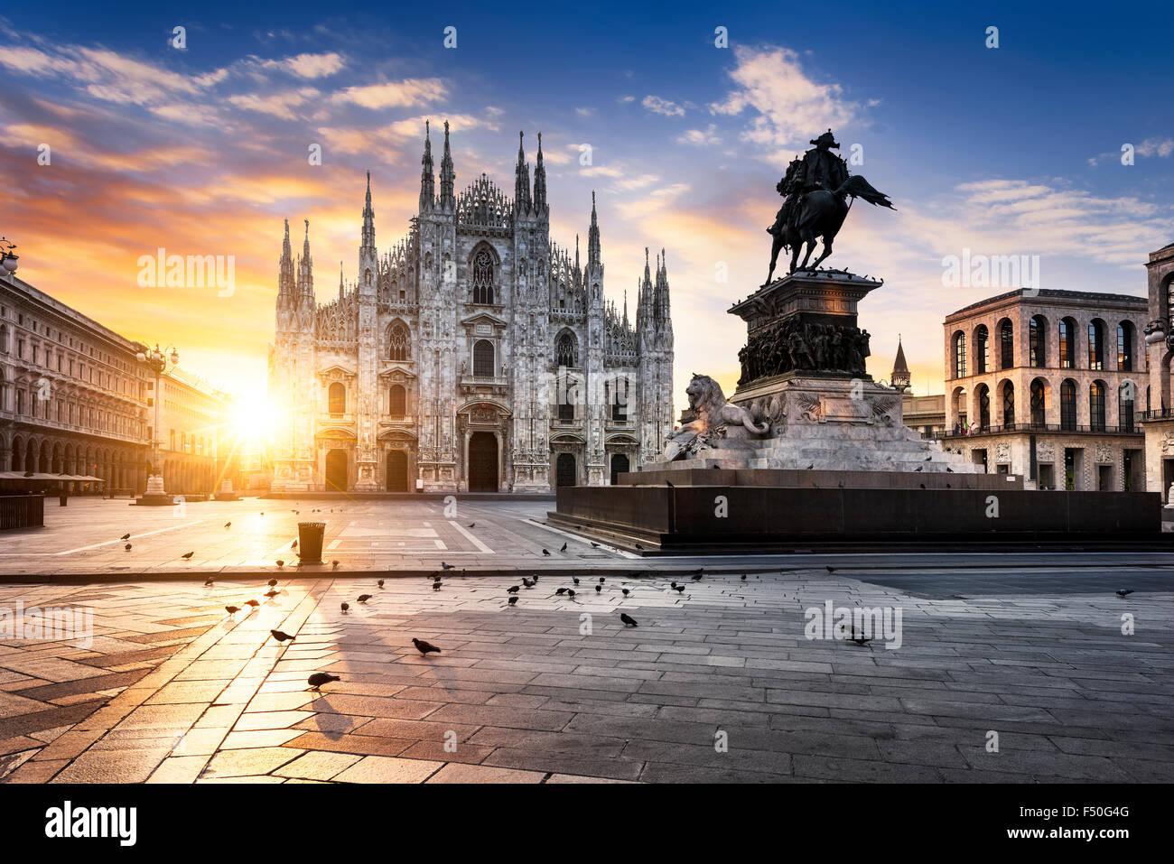 Duomo de Milan, au lever du soleil, l'Europe. Photo Stock